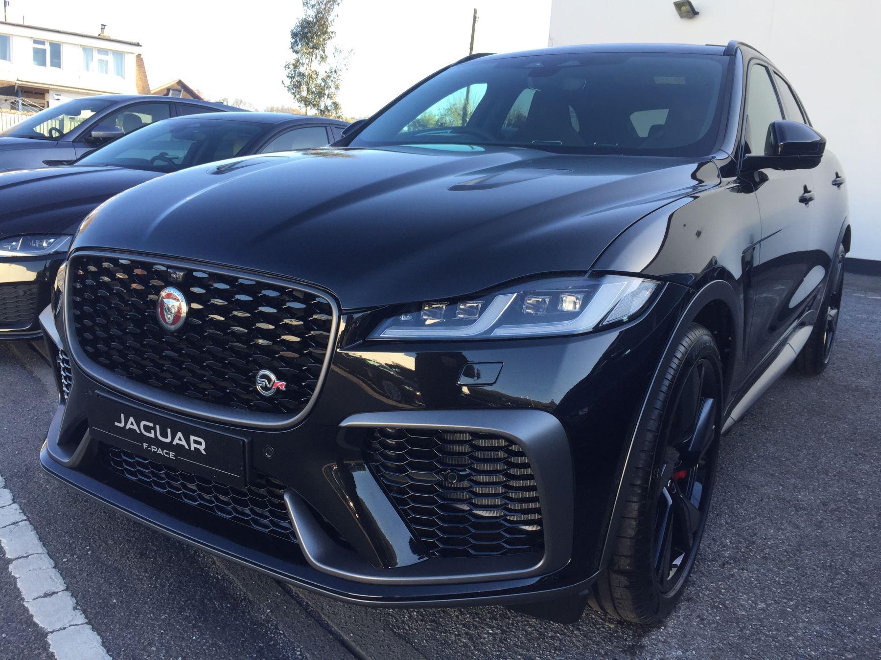 Jaguar F-PACE 5.0 Supercharged V8 SVR AWD image 2